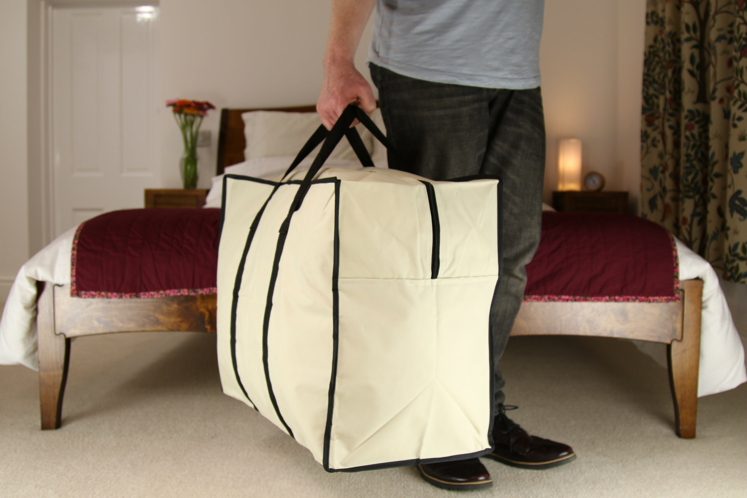 Medium Clothes Storage or Travel Bag, Heavy Duty, 70 Litre Capacity,  55x45x30cm, Beige