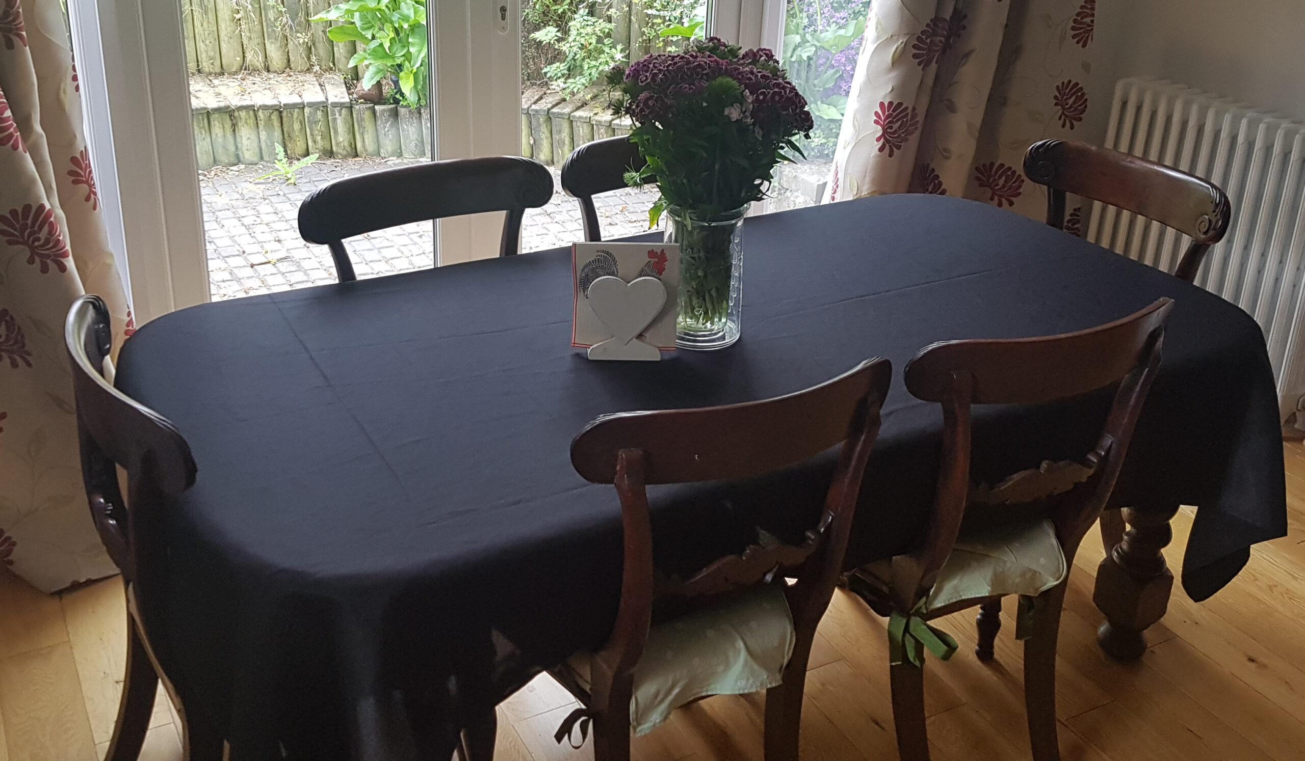 Extra Large Deluxe Tablecloth, Stain Resistant Terylene Twill Plain, 6-8 settings, 250x142cm, Black