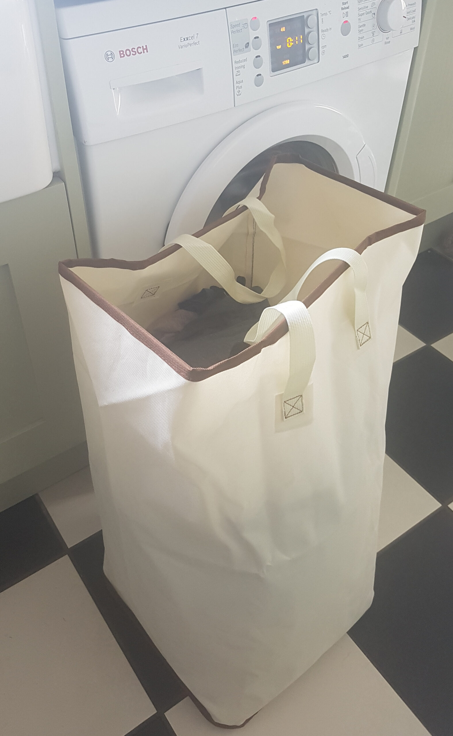 Large Laundry Bag With Strong Handles, Heavy Duty, 100 Litre Capacity, 65x40x40cm, Beige